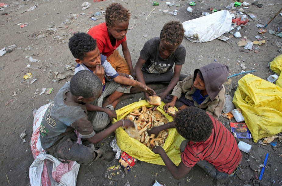 Jemene skursta ir badauja dešimtys milijonų žmonių