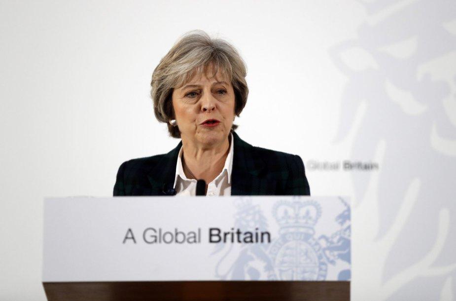 Theresa May pristato Brexit planą