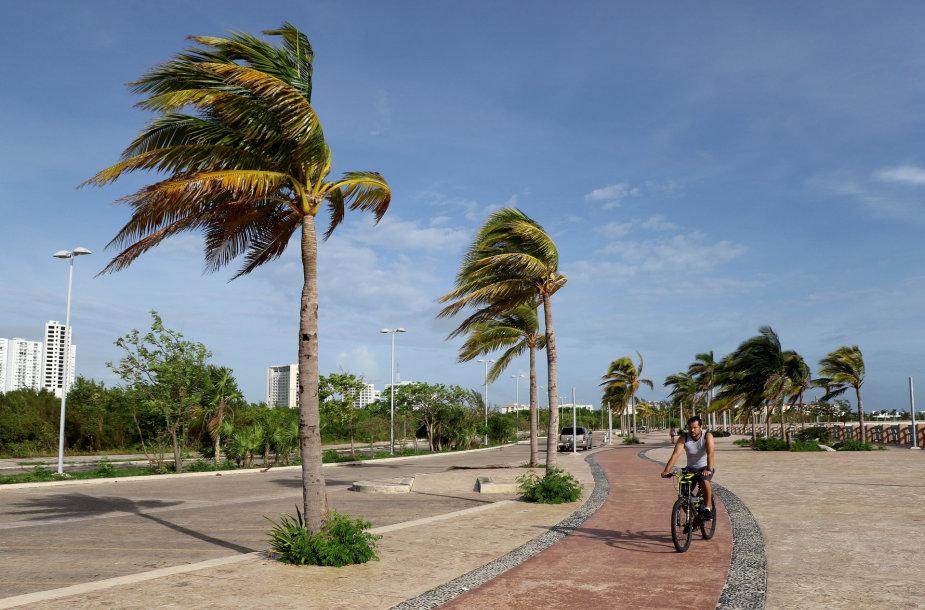 Meksikos Karibų jūros pakrantę pasiekė uraganas Zeta