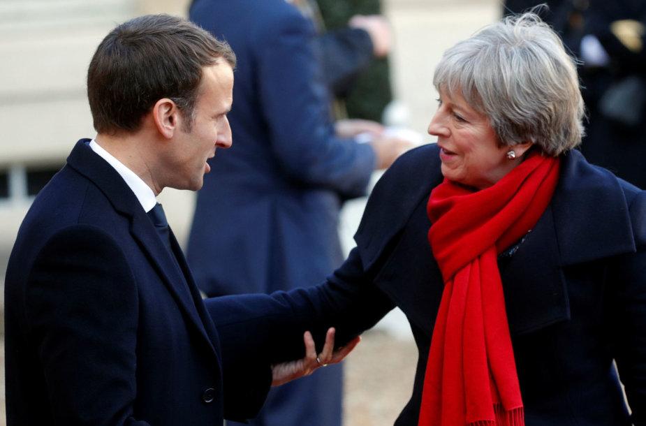 Emmanuelis Macronas ir Theresa May
