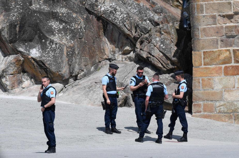 Policija Sen Mišelyje