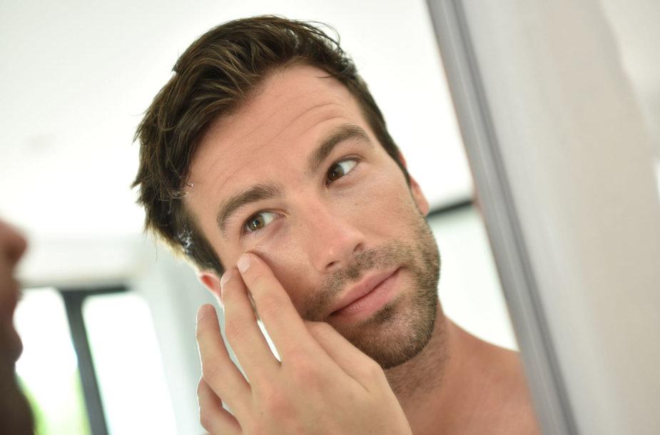 Vyro veido odos priežiūra