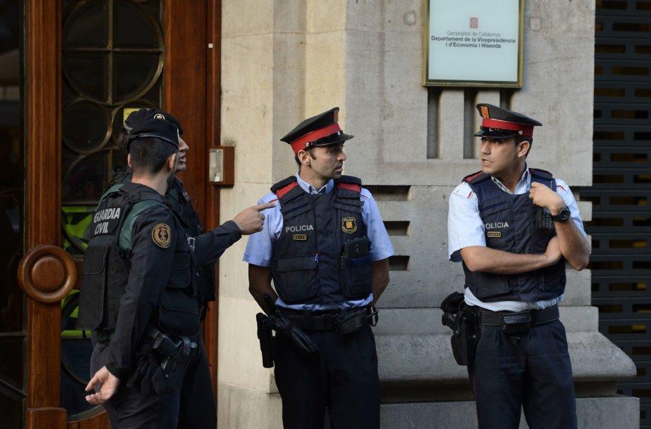 Ispanijos policija krečia Katalonijos vyriausybės būstines