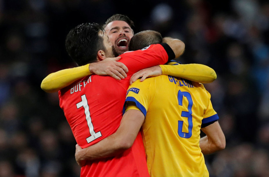 """G.Chiellini ir G.Buffonas su """"Juventus"""" žengė į Čempionų lygos ketvirtfinalį per emocingą vakarą Londone."""