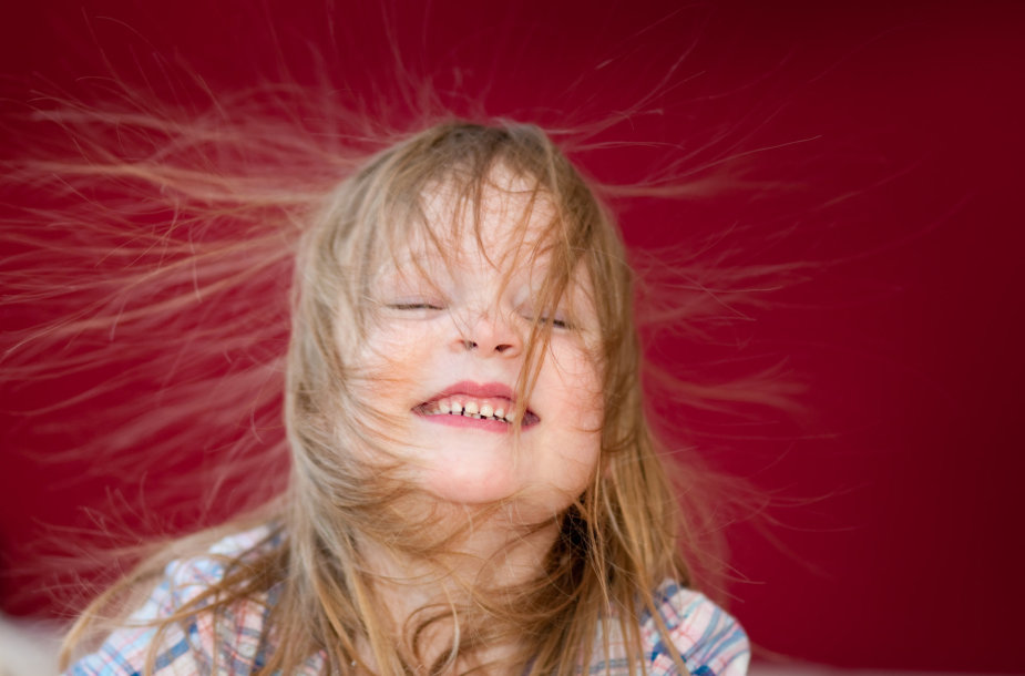 Įsielektrinę plaukai