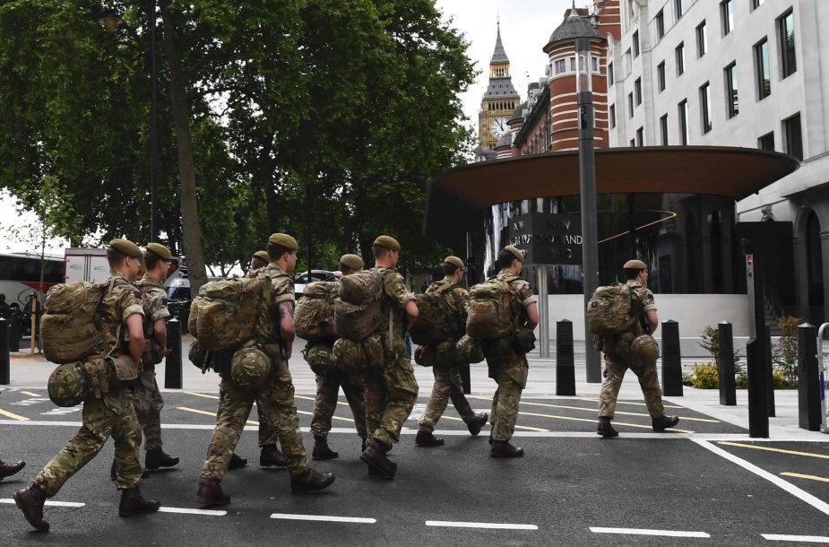 Britų kariai Londone