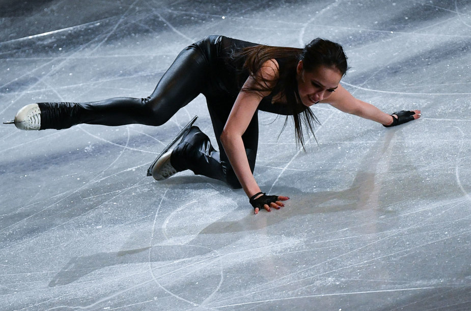 Alina Zagitova per parodomąją programą Tokijuje.