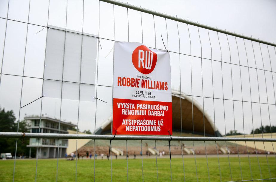 Pasiruošimo darbai prieš Robbie Williamso koncertą Vingio parke