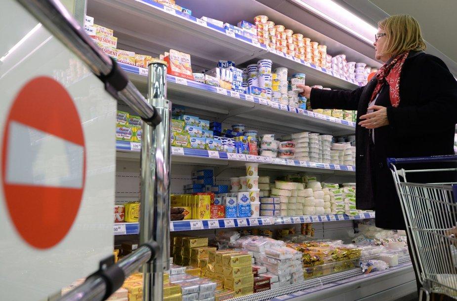 Lietuviški pieno produktai Rusijos parduotuvėje
