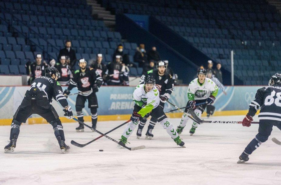 """""""Hockey Punks"""" išvykoje 5:3 įveikė """"Kaunas Hockey"""" ekipą."""