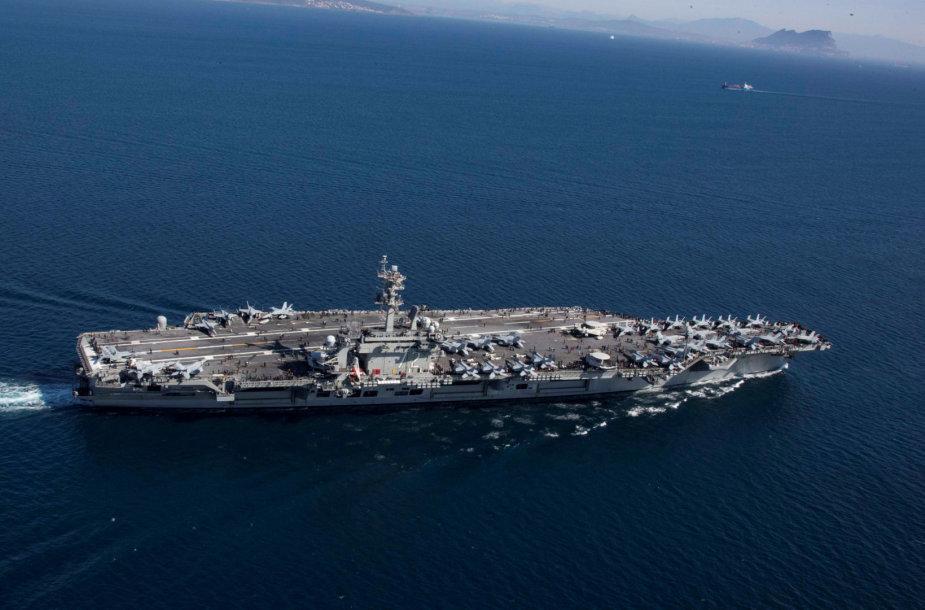 """JAV lėktuvnešis """"USS Abraham Lincoln"""""""