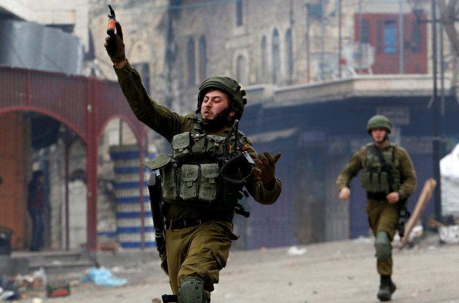 Izraelio kariai Hebrone, Vakarų Krante