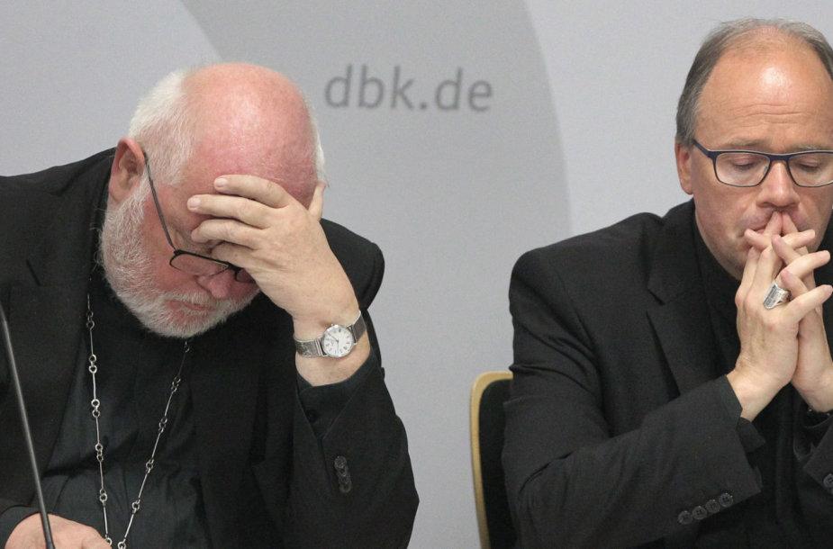 Reinhardas Marxas (kairėje)
