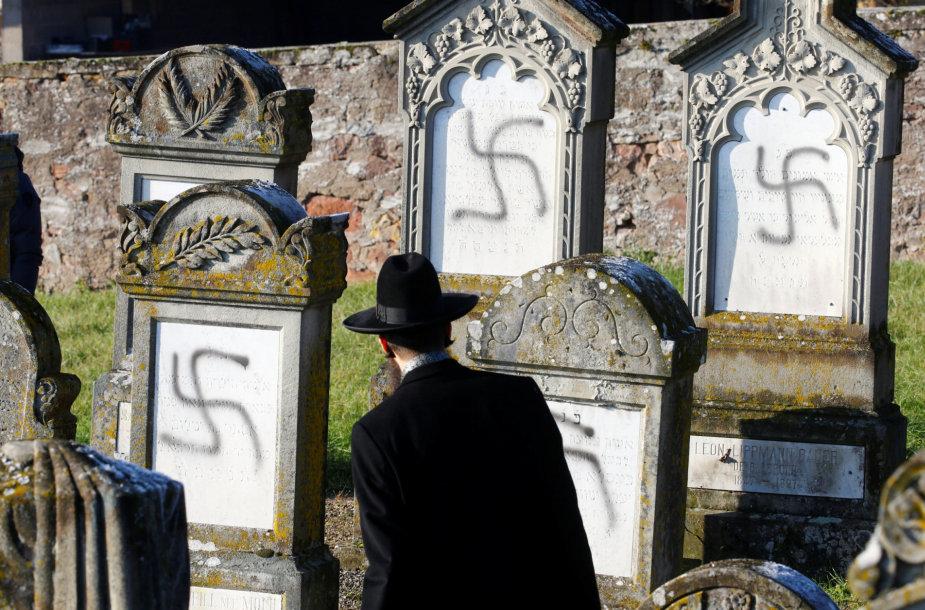 Išniekinti žydų kapai Prancūzijoje
