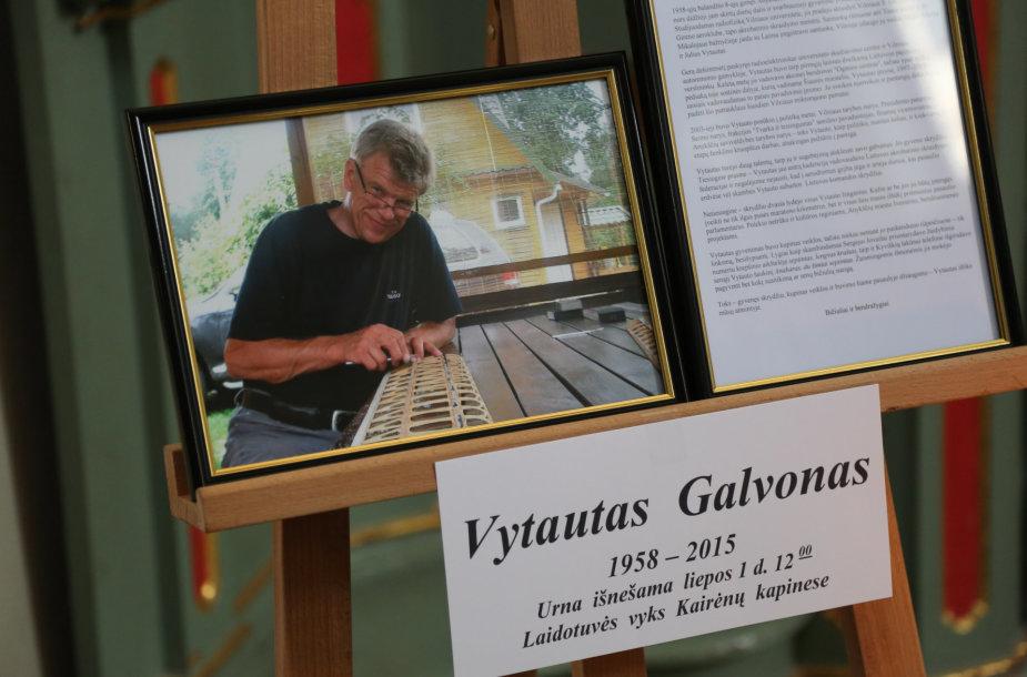Atsisveikinimas su Vytautu Galvonu
