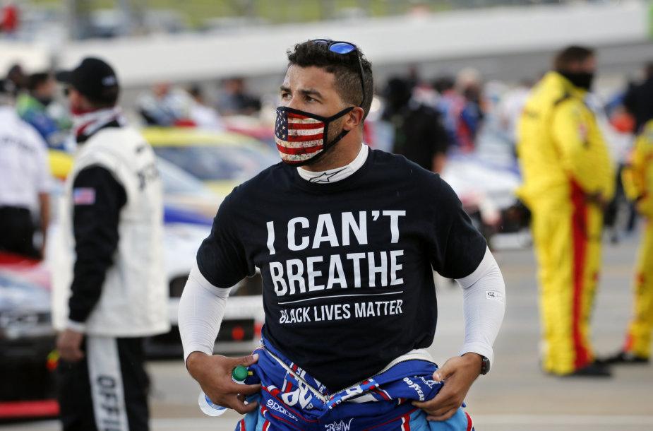 "Lenktynininkas Babba Walacce'as remia ""Black Lives Matter"" judėjimą."
