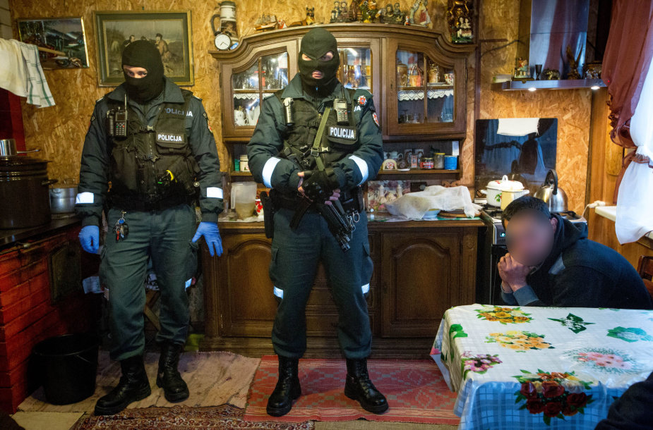 Policijos operacija Vilniaus Kirtimų tabore