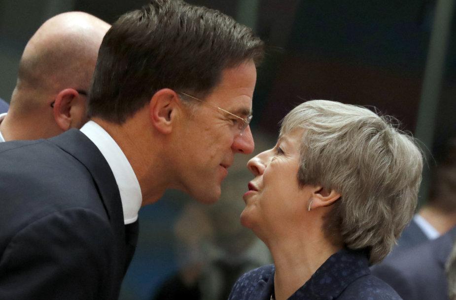 Markas Rutte ir Theresa May