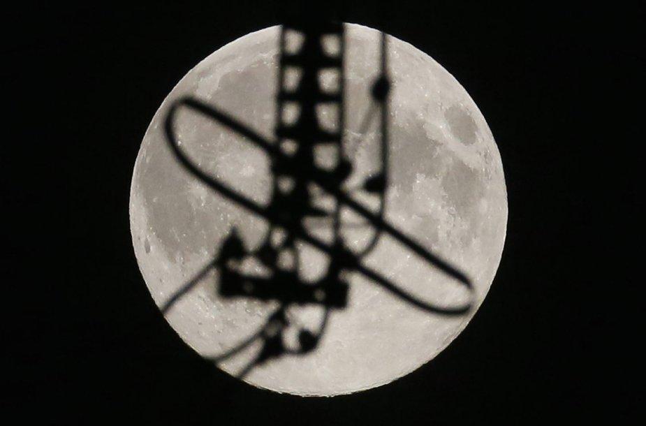 Mėnulis Rusijoje