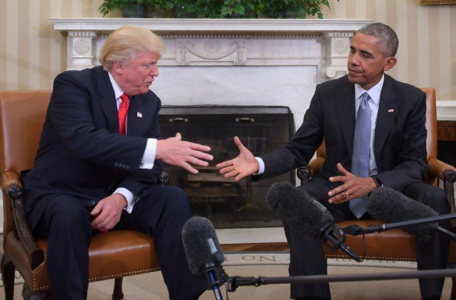 D.Trumpas ir B.Obama Baltuosiuose rūmuose