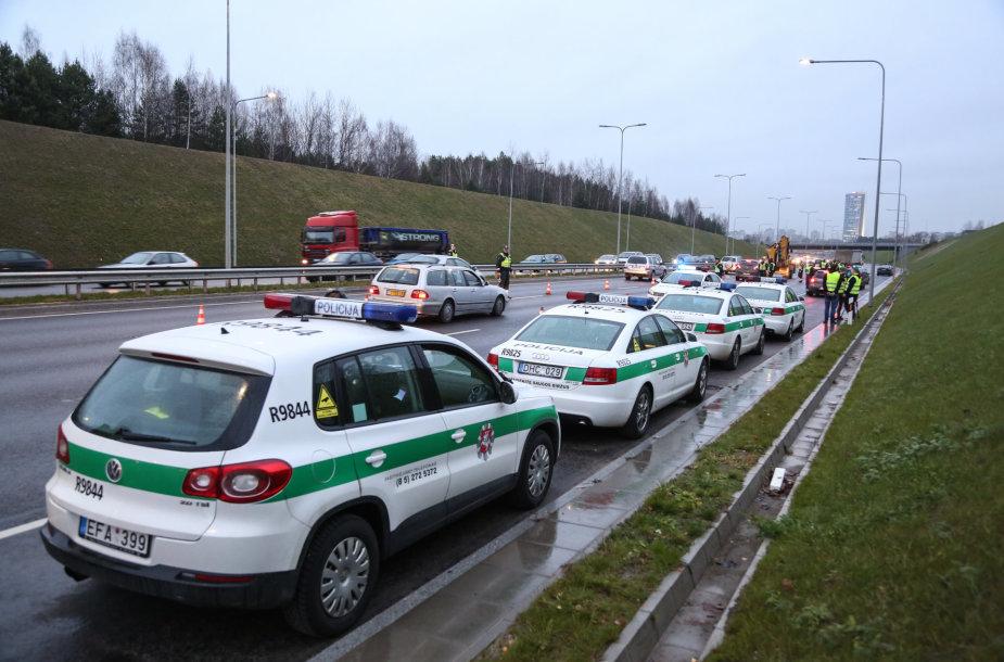 Rytinis policijos reidas Vilniaus aplinkkelyje