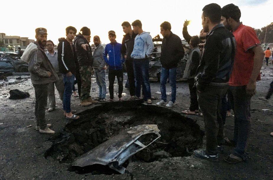 Po galingo sprogimo Bagdado turguje