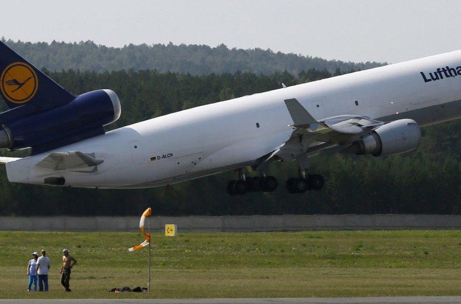 "Bendrovės ""Lufthansa"" lėktuvas"