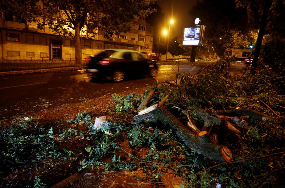 Uragano Leslie padariniai Lisabonoje