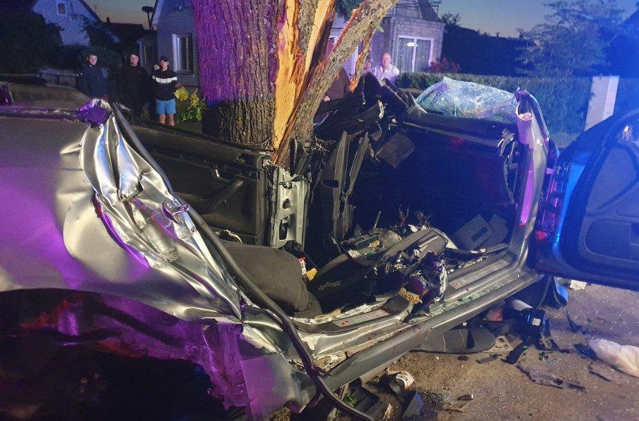 Tragiška avarija Kėdainių rajone, kurios metu žuvo du jauni vyrai