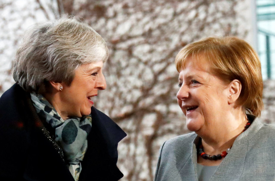 Theresa May ir Angela Merkel