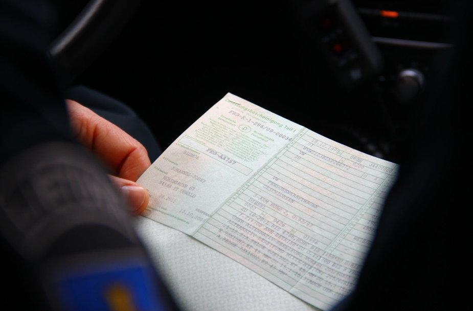 Pažeidimų fiksavimas nežymėtu policijos automobiliu