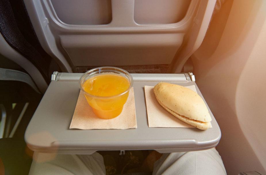 Maistas Lėktuve
