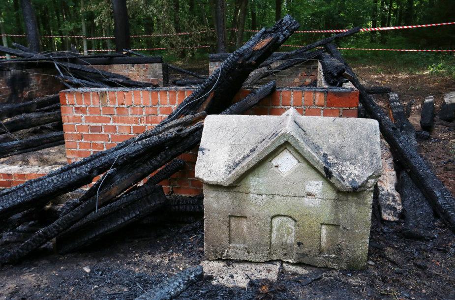 Sudegė du Rumšiškių muziejaus pastatai