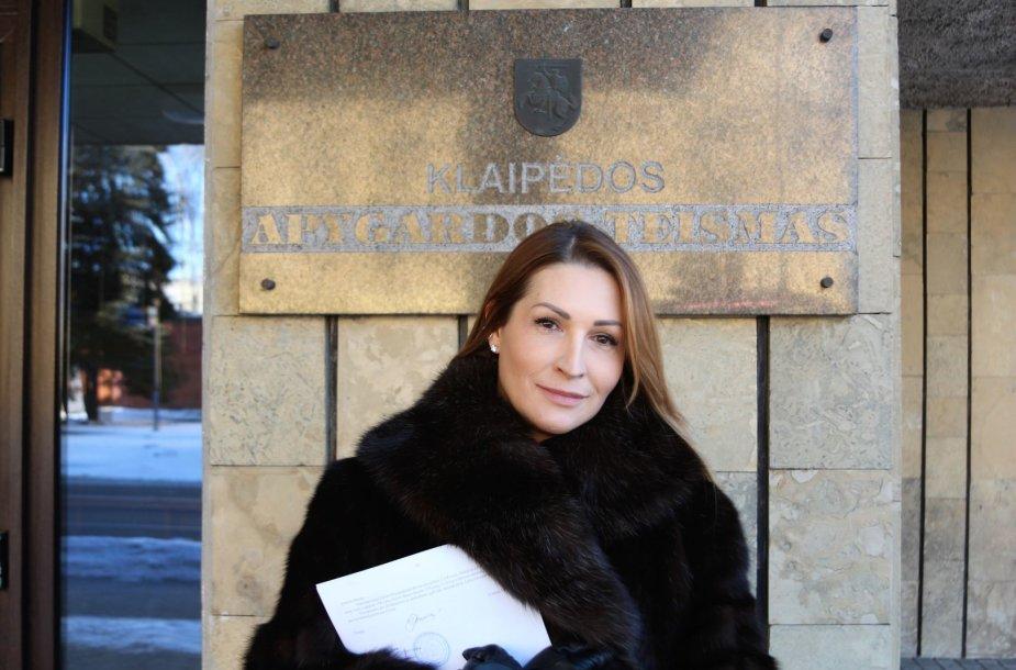 Daina Bosas prie Klaipėdos apygardos teismo