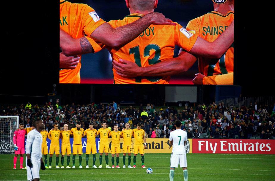 Australijos futbolininkai per tylos minutę