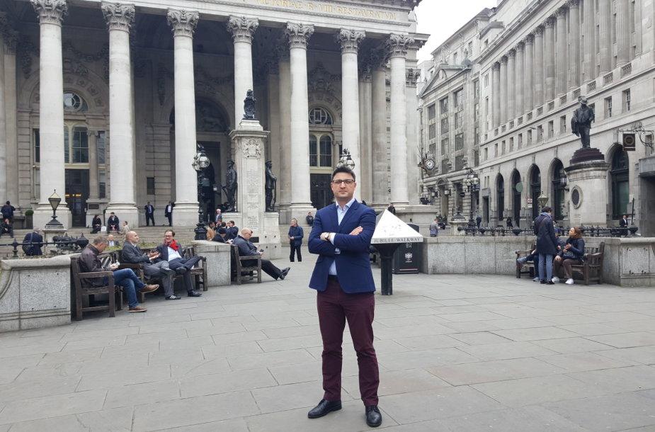 Asmeninių finansų ekspertas, Londono Sičio lietuvių klubo vadovas Marius Raugalas