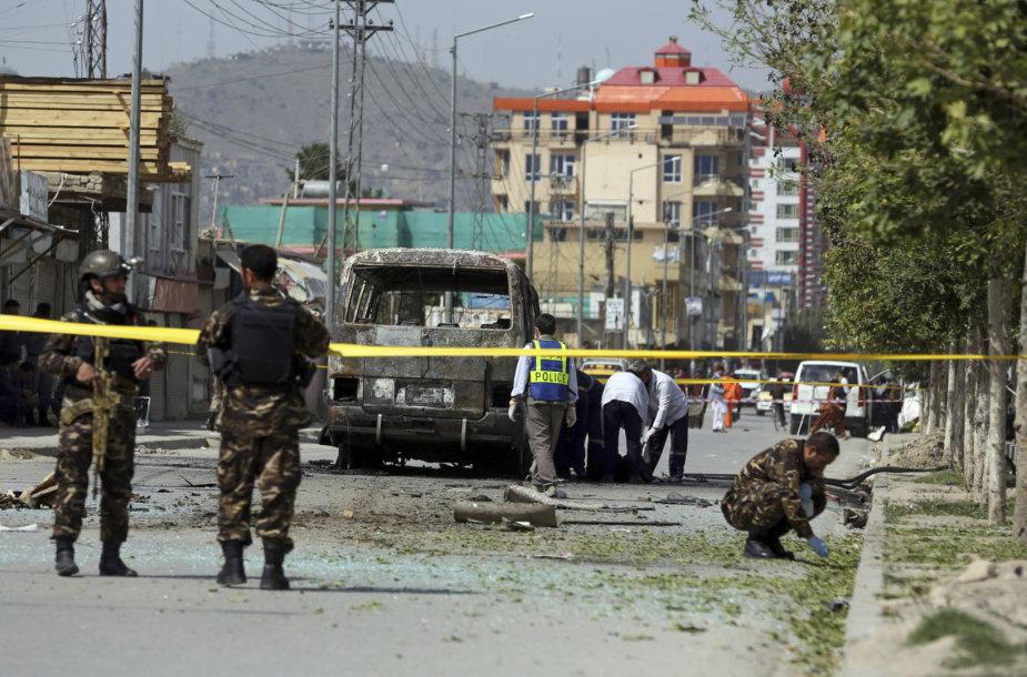 Kabule sprogus autobusui žuvo mažiausiai penki žmonės