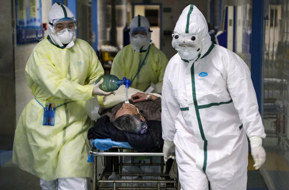 Koronaviruso epidemija plinta toliau.
