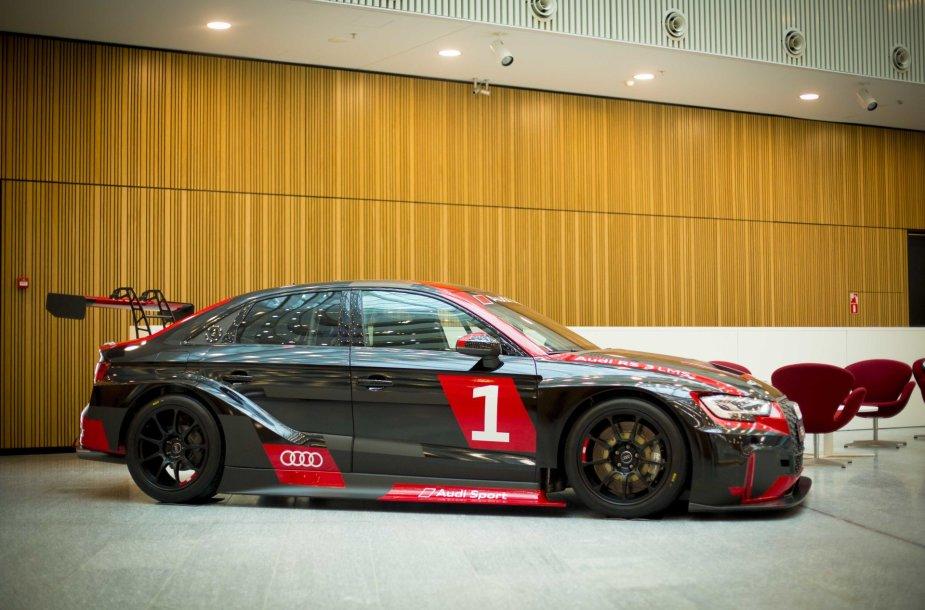 """""""Audi RS3 LMS"""" eksponuojamas verslo centre K29"""