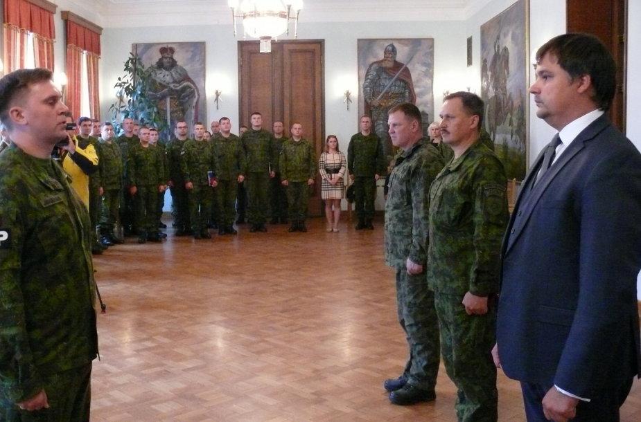 Į Afganistaną išlydėta dešimtoji Lietuvos specialiosios misijos apsaugos vadovo karių grupė.