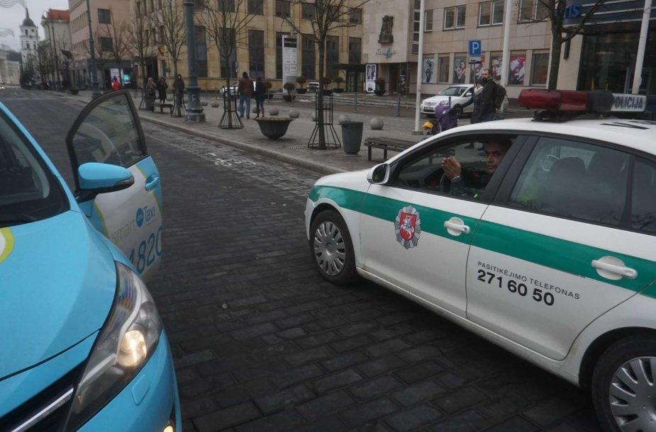 Eduardo Kriščiūno užfiksuotas konfliktas su taksistu ir policija.