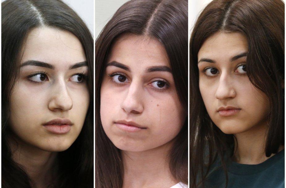 Iš kairės: Krestina, Angelina, Marija Khachaturian