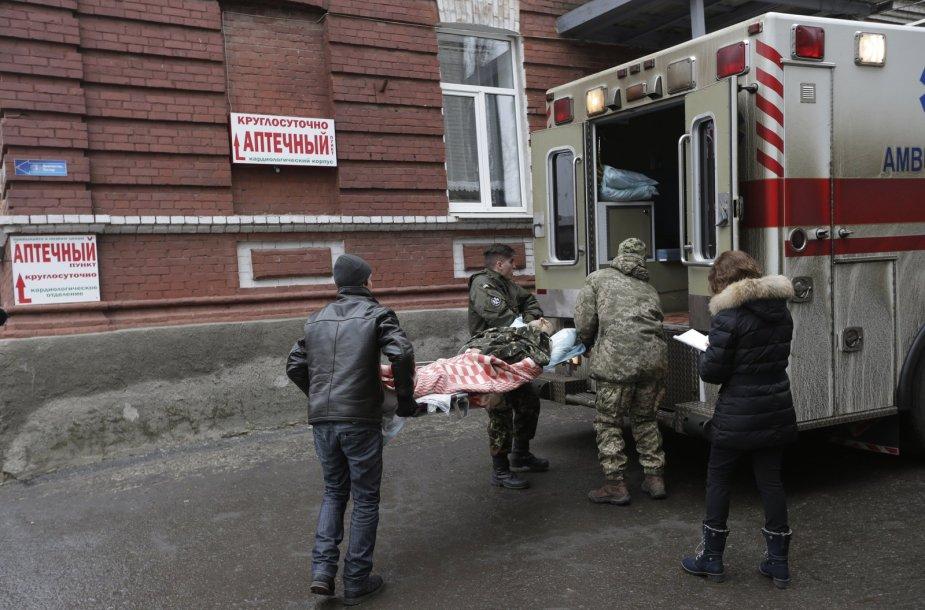 Paskutinės sausio dienos Donbase: evakuacija ir nesibaigiantys teroristų apšaudymai
