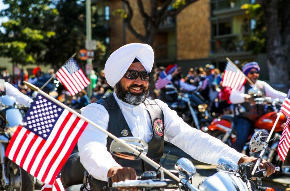 Amerikos sikhas per paradą