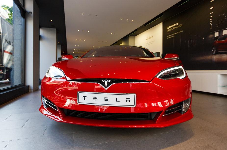 """""""Tesla"""""""