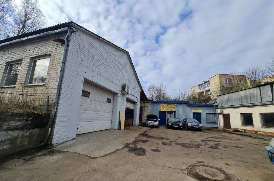 Parduodamas administracinių-gamybinių ir sandėliavimo pastatų kompleksas