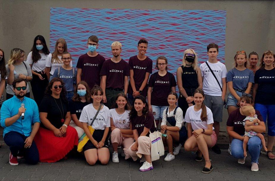 """""""Malonny"""" komanda ir savanoriai"""