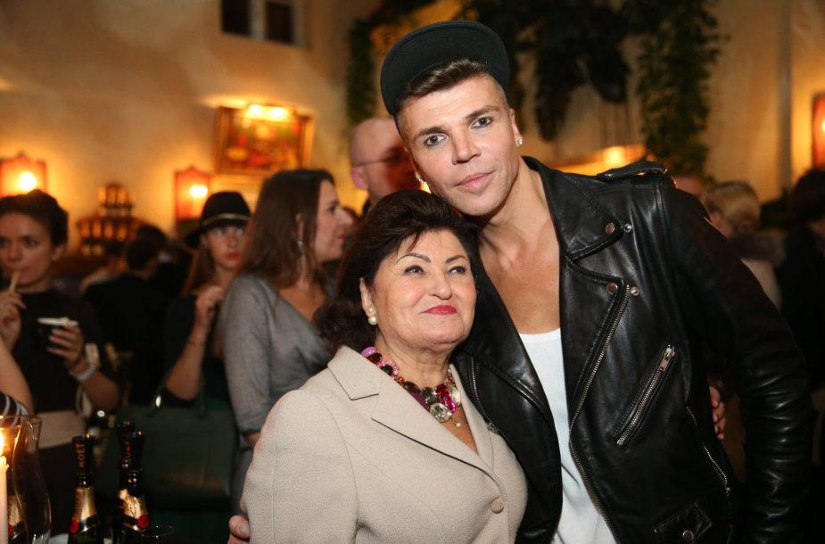 Juozas Statkevičius su mama Vanda