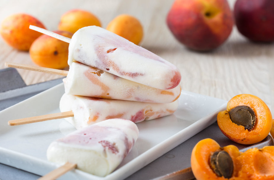 Ledai su persikais