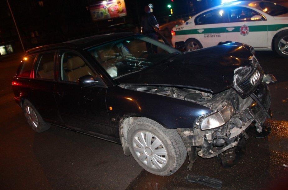 """""""Audi"""" ir """"Volvo"""" avarija Panevėžyje"""